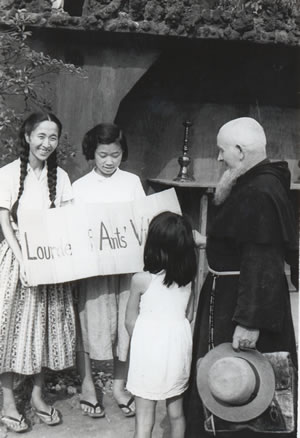 A young aristocrat Satoko Kitahara and her co-worker with with Br Zeno at chapel of City of the Ants